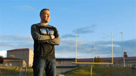 9th Circuit: Coach Can Kneel in Protest   but Not in Prayer
