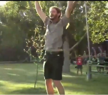 I Didn't Even Know This Was A Thing, But it is AWESOME! Disc Golfer Makes Unreal Shot!