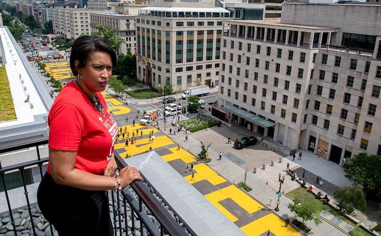D.C. Mayor Painted 'Black Lives Matter' on the Streets, But Erased 'Cuba Libre'