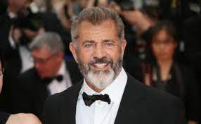 Vid: Mel Gibson talks Pope Francis, Abp. Vigano, Cancelled Priests, Bad Bishops, and Latin Mass